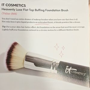 It cosmetics heavenly buffing foundation brush